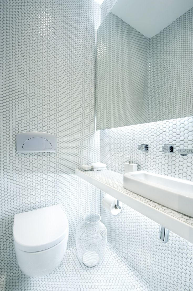 Architecture, White Wall Hexagon Mosaic Ceramic Tile Simple Minimalist  Bathroom Design Ideas: The Comfortable Apartment Living by the Market.