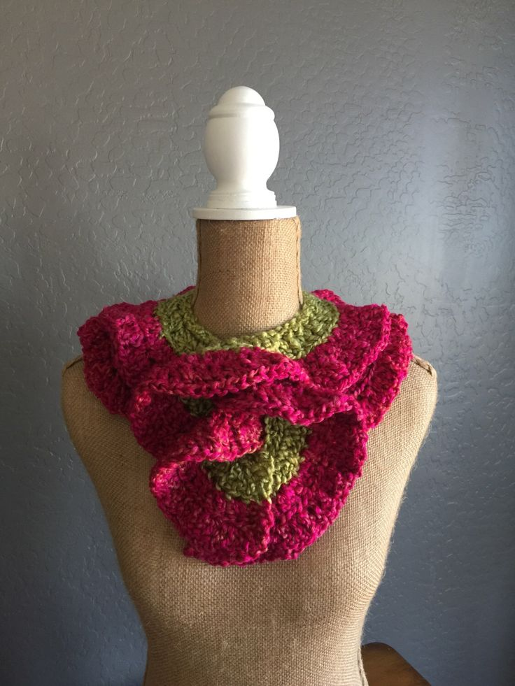 "PRETTY Crocheted Ruffle Potato Chip Scarf: Scarf in ""Green Apple"" and ""Tulips"" by MyOnDemandStyle on Etsy https://www.etsy.com/listing/267902402/pretty-crocheted-ruffle-potato-chip"