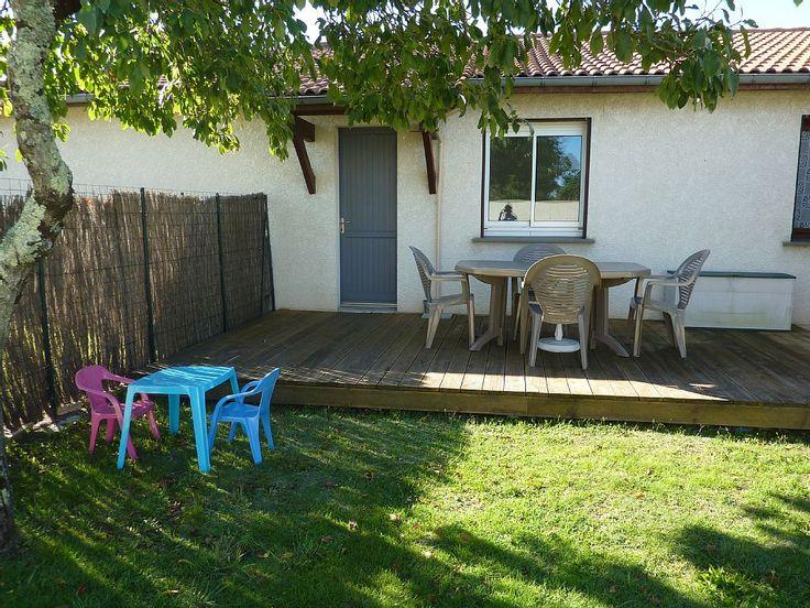 Location vacances appartement Gujan-Mestras: Terrasse, salon de jardin adultes et enfants