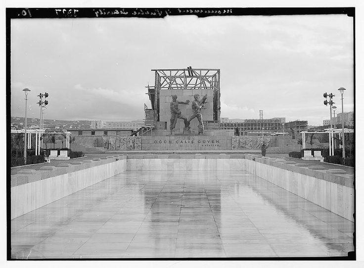 1935 / Eski adıyla Emniyet Abidesi  Bugünkü ismiyle Güvenpark Anıtı (Güvenlik Anıtı) , Kızılay Meydanı-nda Güvenpark içerisinde bulunur.Anton Hanak tarafından başlanan anıt Hanak-ın 6 Ocak 1934 yılında ölümü üzerine anıtı tamamlama işi verilen Joseph Thorak tarafından 1935 yılında tamamlanmıştır.