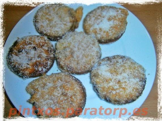 Pintxo dulce para empezar la semana santa: Galletorrijas de chocolate http://pintxos.paratorp.es/2012/10/galletorrijas-de-chocolate.html #food #tapas #pintxos #recetas