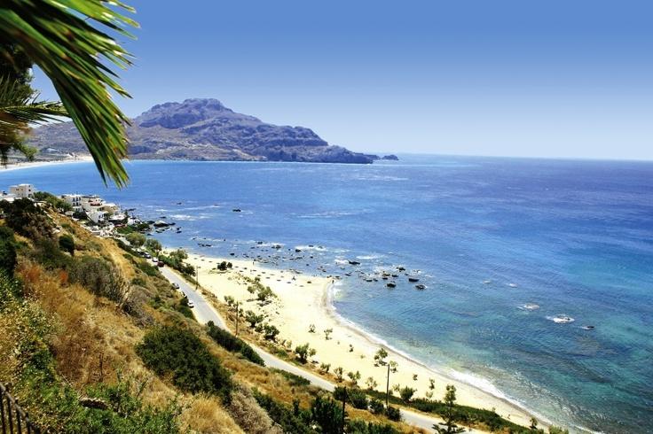 Kreta – das ausgeglichene Klima sowie kilometerlange Traumstrände und unzählige Buchten bieten beste Voraussetzungen für Ihren erholsamen Urlaub. Die Insel besticht durch ihre landschaftlich imposanten Berge, wildromantischen Schluchten, weiten Hochebenen und fruchtbaren Täler mit Wein- und Oliven- sowie Zitronen- und Orangenbäume.