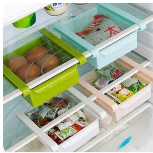 Kolaylıkla buzdolabınızın rafına takabilirsiniz Buzdolabı İçi Geçmeli Organizer Kutuyu. Kollanımı kolay ve buzdolabınızdaki boş alanları değerlendirmek için idealdir.