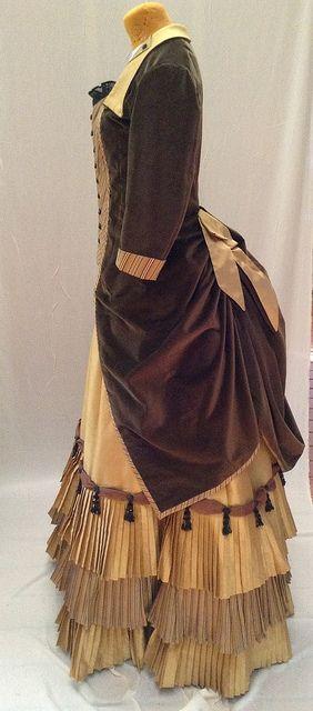 Modern-made bustle dress by Waisted Efforts - via Flickr. www.waistedefforts.com