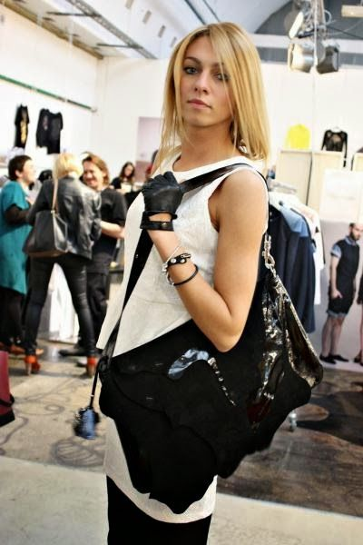 HIT! Zamszowa torba łączona ze skórą lakierowaną/ Street Style