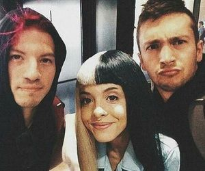 twenty one pilots w/ Melanie Martinez | I think this is photo shopped so don't get too excited