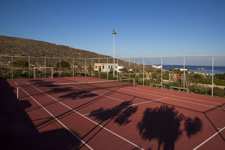 Keep your shape! #Tennis court #AnemiHotel #Folegandros