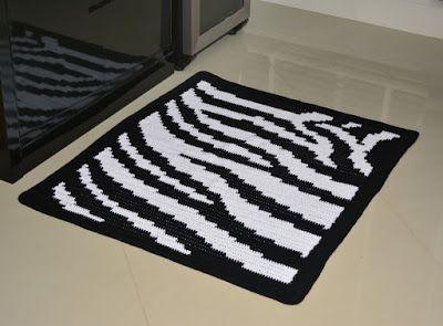 Crochê On Line - Gráficos, Paps e Vídeoaulas : Tapete de Barbante Fio Conduzido Motivo Zebra