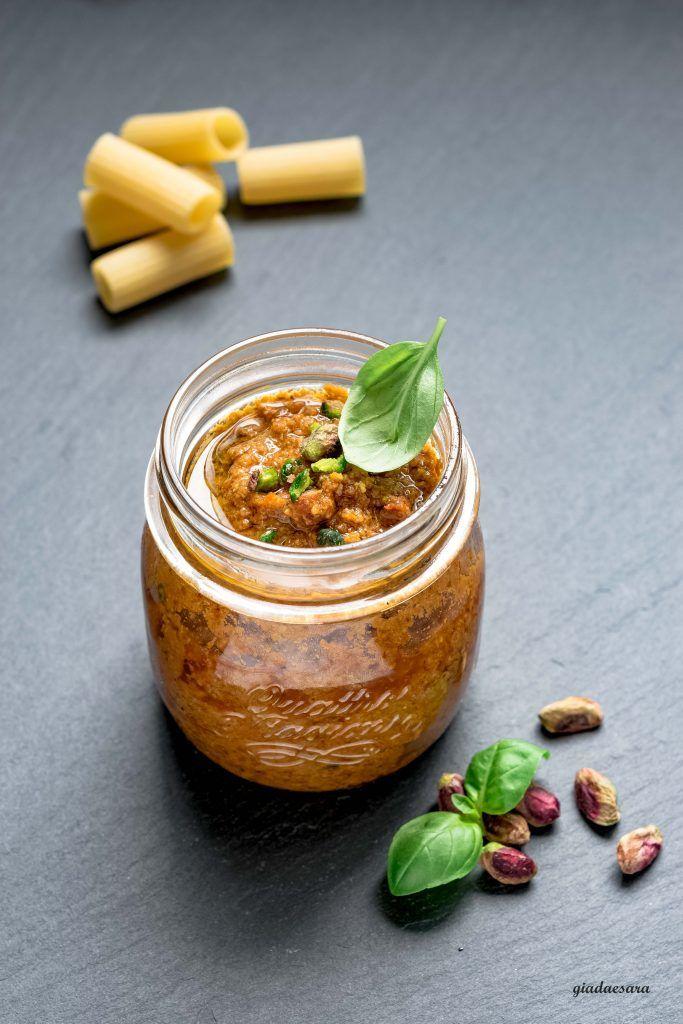 Pesto di pistacchi e pomodori secchi