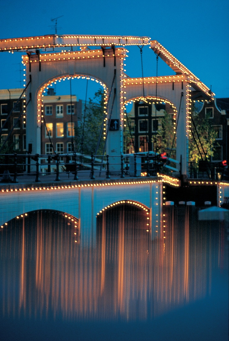 beautiful at night - the Magere bridge, Amsterdam, Holland