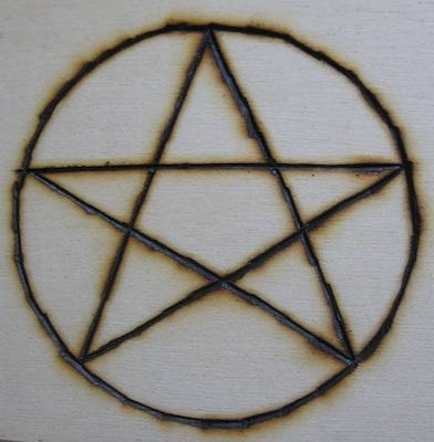 he pentacle is a five-pointed star, or pentagram, contained within a circle. The five points of the star represent the four classical elements, along with a fifth element, which is typically either Spirit or Self, depending on your tradition. The pentacle is probably the best-known symbol of Wicca today, and is often used in jewelry and other designs.