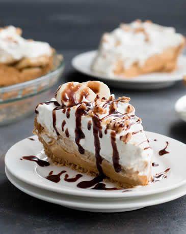 Guys. This pie. This Easy Banoffee Cream Pie. This fluffy, creamy, dreamy, full of banana, toffee cream pie.