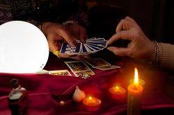 Mit den Tipps spiritueller Berater im Umgang mit Vorhersagen kannst Du den Verlauf Deiner Zukunft maßgeblich positiv beeinflussen. #zukunft #zukunftsdeutung #vidensus #kartenlegen #hellsehen #wahrsagen #tarot #astrologie #gratisberatung #esoterik #spiritualität