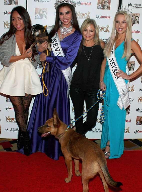 Lisa Song, Mrs Nevada Eve Dawes, Miss Nevada Shelby Kanani Johnson with Jennifer Harman at NSPCA Poker Tournament  (Photo credit: IraKuzmaPhotos)