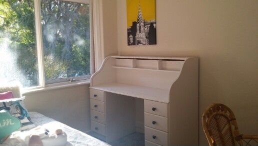 Janelle and I upcycled this desk for her studying x
