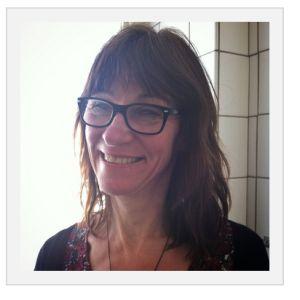 """Det blev Kristin Olofsson som vann Open Library Solutions Innovationspris 2013. Nomineringen till priset löd:  """"Kristin har visat stor innovationskraft och målmedvetenhet i arbetet med att skapa Chalmers biblioteks nya webb. Hon har som projektstöd/projektledare hållit en stadig kurs och fungerat som spindeln i nätet. Hennes kombinerade kunskap om användarreseach, systemlandskap och webbdesign är unik i bibliotekssverige"""""""