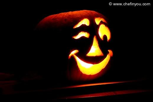 17 best ideas about carving pumpkins on pinterest for Cool easy ways to carve a pumpkin