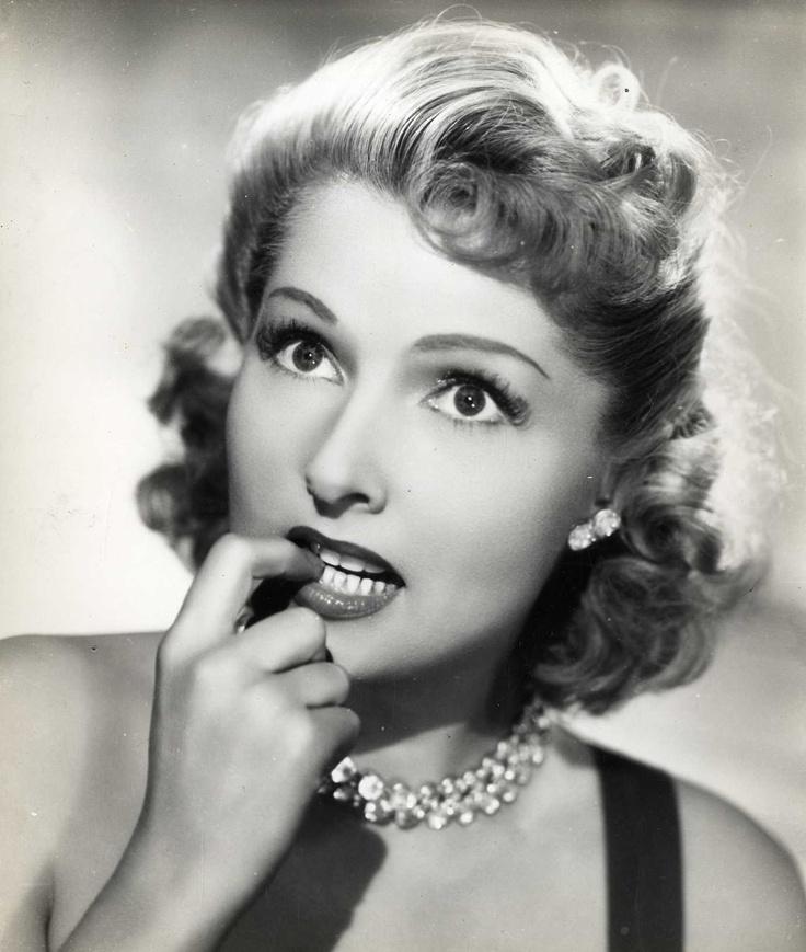 Simone Renant (1911-2004)