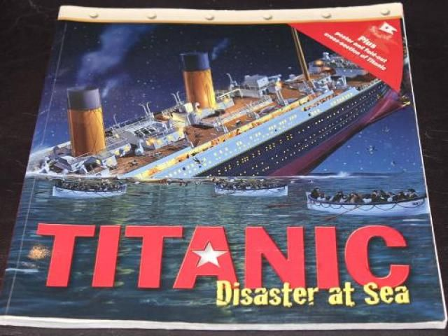 64 pages, full colour, all about Titanic disaster. Very informative book. Very good condition