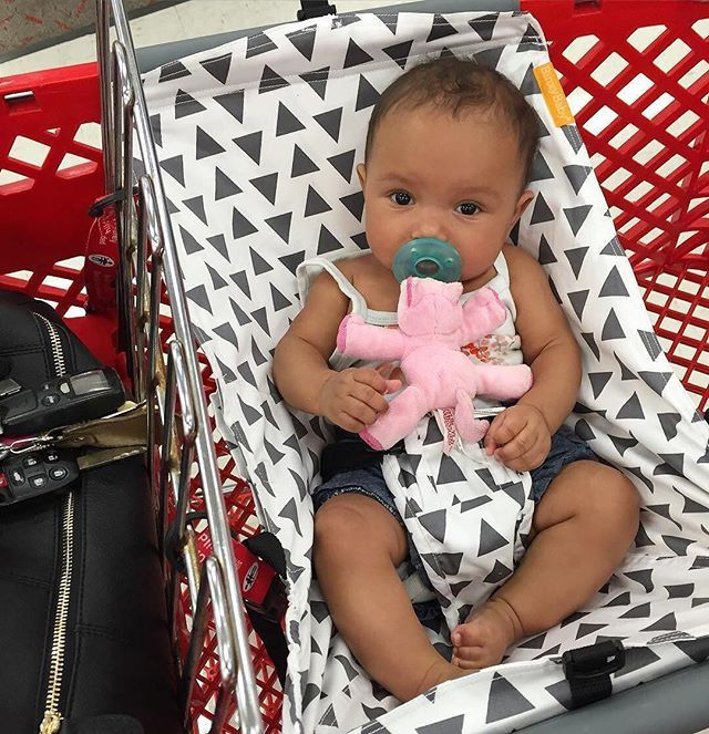 Binxy Baby Shopping Cart Hammock. Top Mom Life Hack. BabyCenter approved. Cart cover. Baby shopping. SHOP binxybaby.com