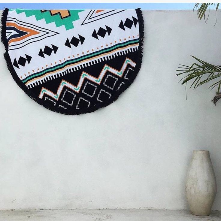 Adding a pop of colour to outdoor spaces with the Palm Springs Roundie // via @mon_palmer