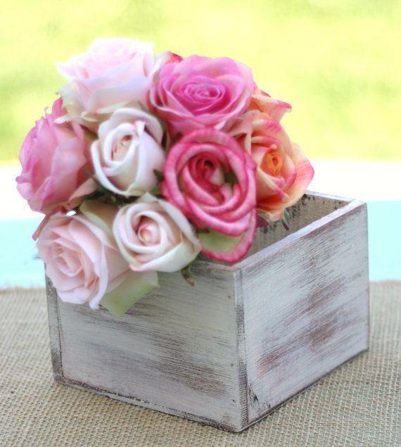 just my styleCenterpieces Ideas, Vintage Boxes Centerpieces, Wooden Centerpieces, Wooden Boxes, Planters Boxes, Living Flower, Baby Shower, Center Pieces, Front Step