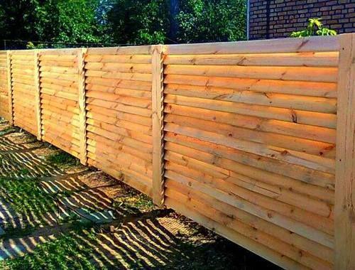 Забор жалюзи деревянный