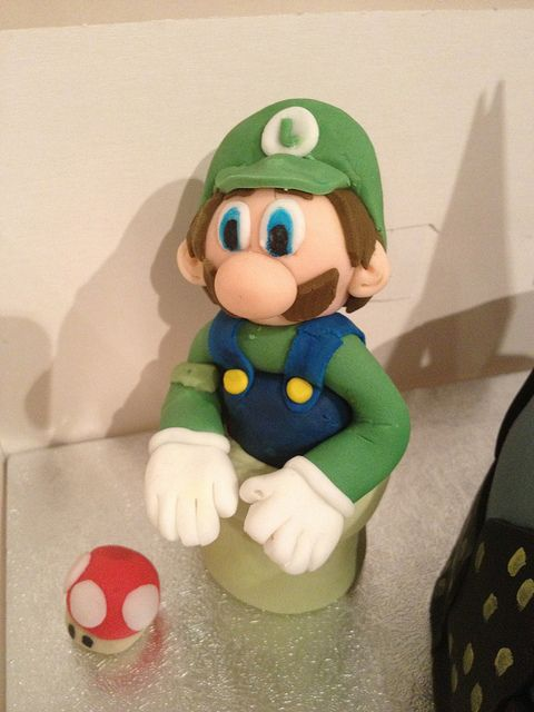#MarioBrothers #Luigi #FondantFigure