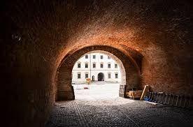 Imagini pentru cetatea oradea