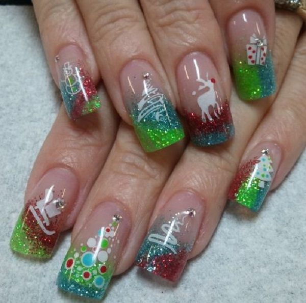 Give life to your nails with Christmas using this wonderful looking Christmas nail art. The jelly looking texture adds a treat to the colorful mixture of polishes and glitters on the nail art.