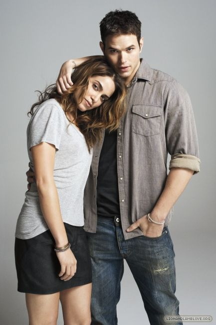 Nikki Reed and Kellan Lutz aka Rosalie Hale and Emmett Cullen