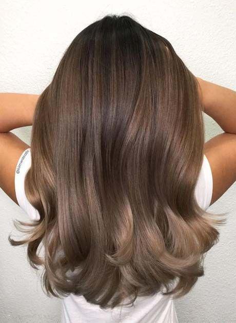 Lange Haarmodelle – Die besten Haarfarben für Brunette 2018