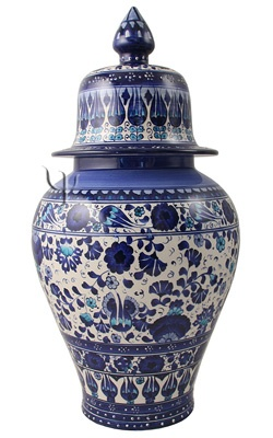 Iznik ceramic jar - Turkey