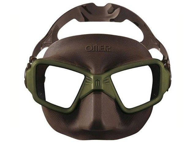 Mask Omer Zero 3 OLIVE The field of vision is 30% higher, compared to a classic free diving mask such as the Alien. The internal volume is so low that if a mask like the Alien is normally equalized starting at 25-30' depth, the ZERO3 doesn't require clear
