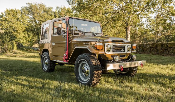 The Toyota Land Cruiser BJ40 was the diesel variant of the J40 series, with its better known sibling the FJ40 being fitted with a petrol engine. The J40 series of 4x4s had a remarkable 40+ year production run that started in 1960 and didn't end until the last factory building them closed down in Brazil...
