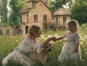La vie en rose: Marie Antoinette - Garden scenes