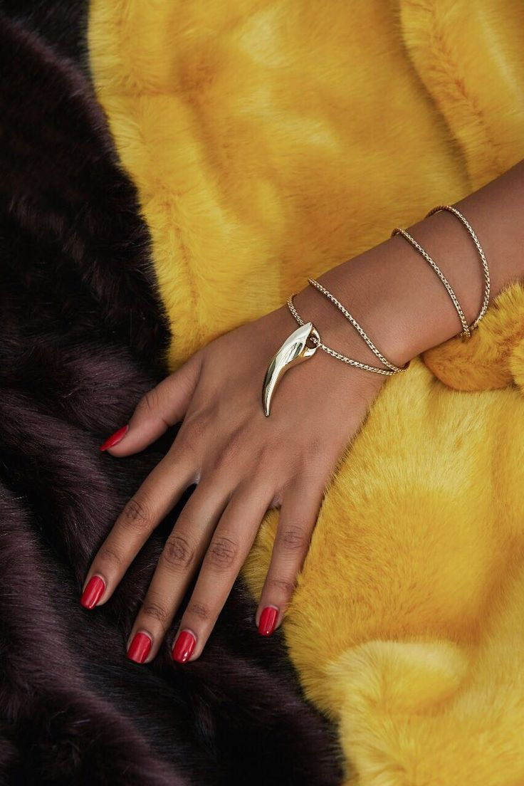 #opulence  FENRIR pendant in luxurious 14-karat Arctic Gold finish.   SVØRN   #giftforher #style #streetfashion #streetstyleluxe #streetstyle #beautiful #fashionkilla #jewelry #pendant #golden #accessories #gold #ootd #jewelrylover #trendsetter #jewelryaddict #necklace #jewellery #jewellerylover #musthave #streetfashion #trendy #luxury #fashionista #stylish