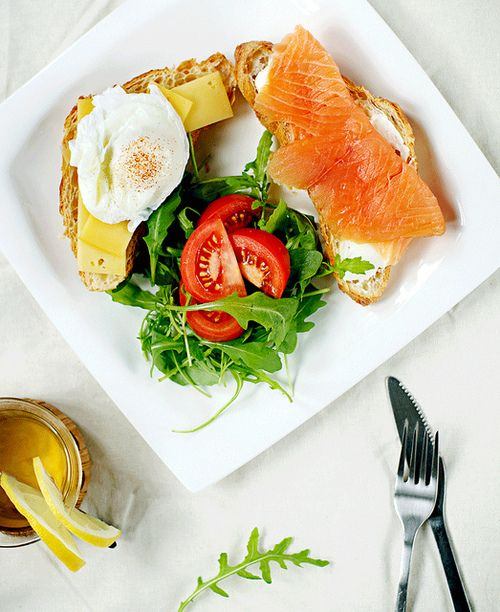 poached egg and salmon on croissants: Brunches, Healthy Choice, Breakfast, Food, Smoke Salmon, Healthy Eating, Lights Lunches, Fit Motivation, Poached Eggs