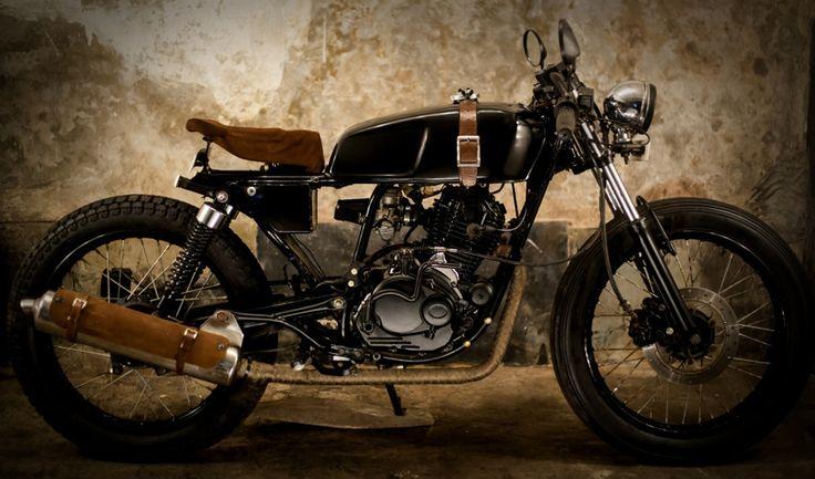 #bombay #custom #works #india #motorcycle #leather #cafe #racer