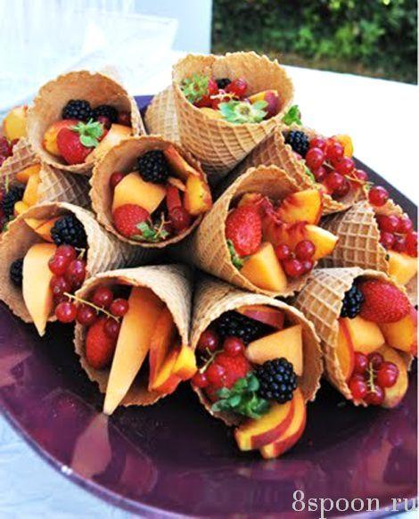 Как оригинально оформить нарезку фруктов: просты е идеи с фото. Оформление фруктовой нарезки на день рождения, на Новый Год, на офисный фуршет, на детский праздник.