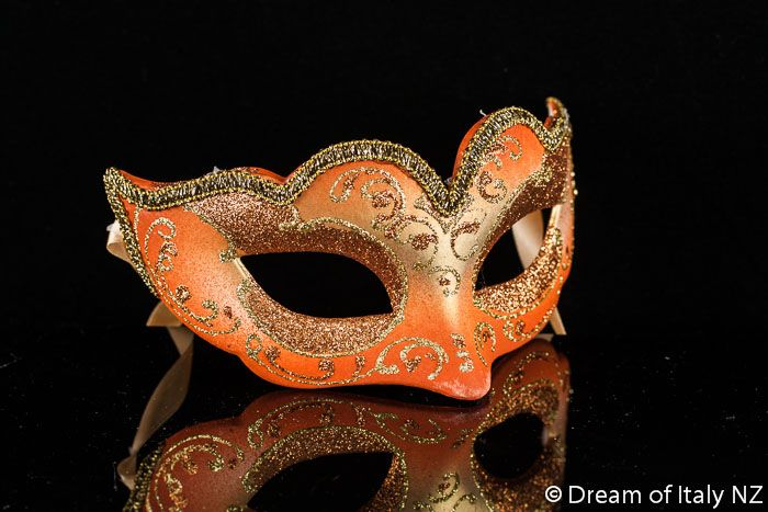 Masquerade - M2U [Download FLAC,MP3]