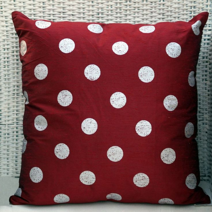 Circle Pattern Cushion cover - Red