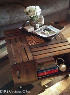 een origineel tafeltje met oude kratten gemaakt