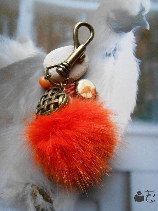 bijou de sac porte clefs romantique gros pompon fourrure st valentin coeur grillag. Black Bedroom Furniture Sets. Home Design Ideas