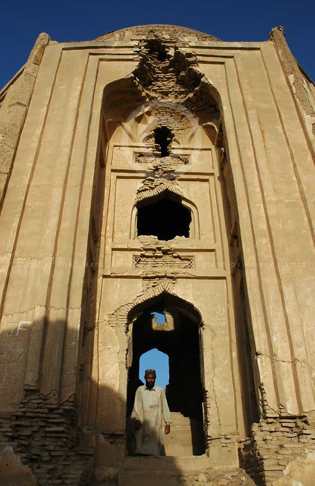 tombs in bhag nari lehri district balochistan baluchistan travel