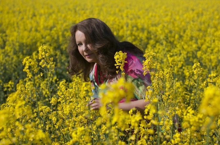 Anna #Dymna wśród kwiatów :)