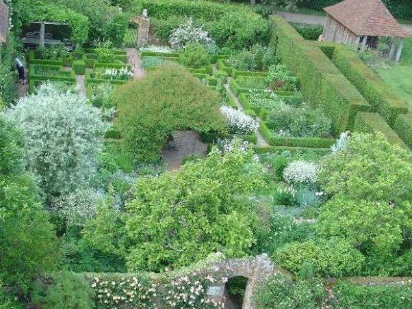 Garden Design Wikipedia Awesome Homedecor Suggestions For Homes Decoration Homedecor Decorationideas In 2020 White Gardens Castle Garden Garden Design