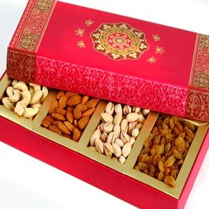 Pink Dryfruit Box Delightful gift for your loved ones. Beautiful gift box which contains best of cashews, almonds, pistachios and raisons. Net weight: 250 grams.   Costs Rs 635/-  http://www.tajonline.com/diwali-gifts/product/d4037/pink-dryfruit-box/?aff=pinterest2013/