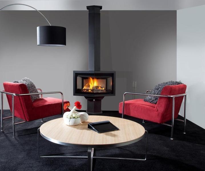 Wanders fires & stoves  Black Diamond Compact met voet en kanaalomanteling