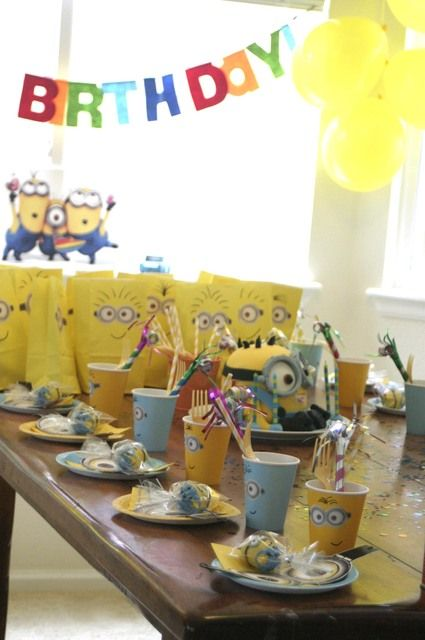29 best images about minion birthday party on pinterest. Black Bedroom Furniture Sets. Home Design Ideas